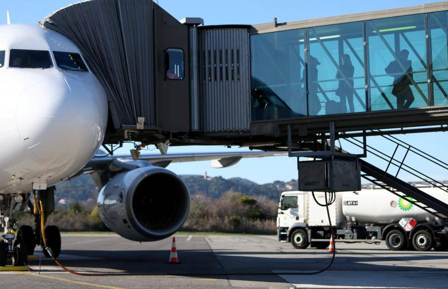 Le nombre de passagers qui ont transité via l'aéroport de Toulon-Hyères a augmenté de 0,82 % en 2017.