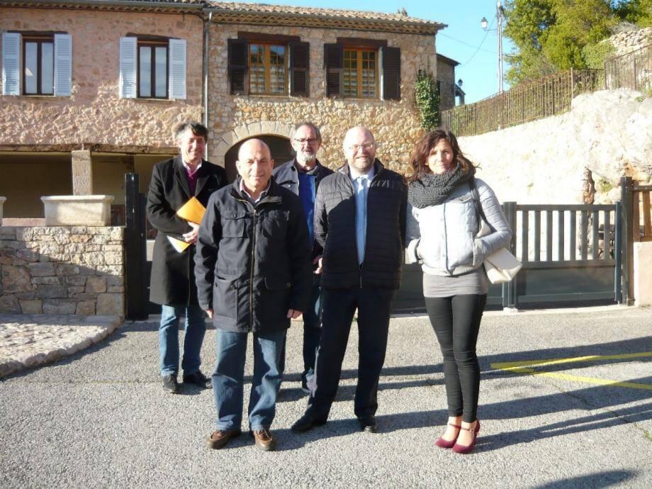 Georges Rouvier, a reçu Philippe Portal et Nathalie Perez-Leroux pour une visite et une réunion de travail.
