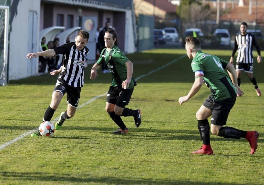 Les footballeurs dracénois espèrent bien ramener des points dimanche de leur déplacement à Rousset.