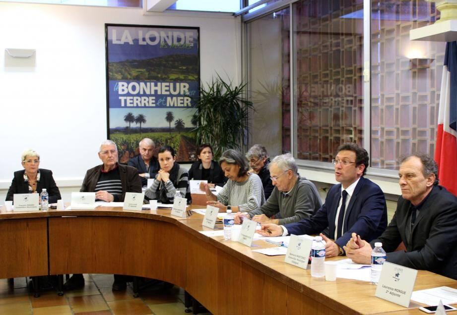 Outre la réservation de 18 logements sociaux à Châteauvert pour une durée de 25 ans, le conseil municipal a accordé deux subventions exceptionnelles à l'Union cycliste et pédestre londaise et à Rémy Dubern.