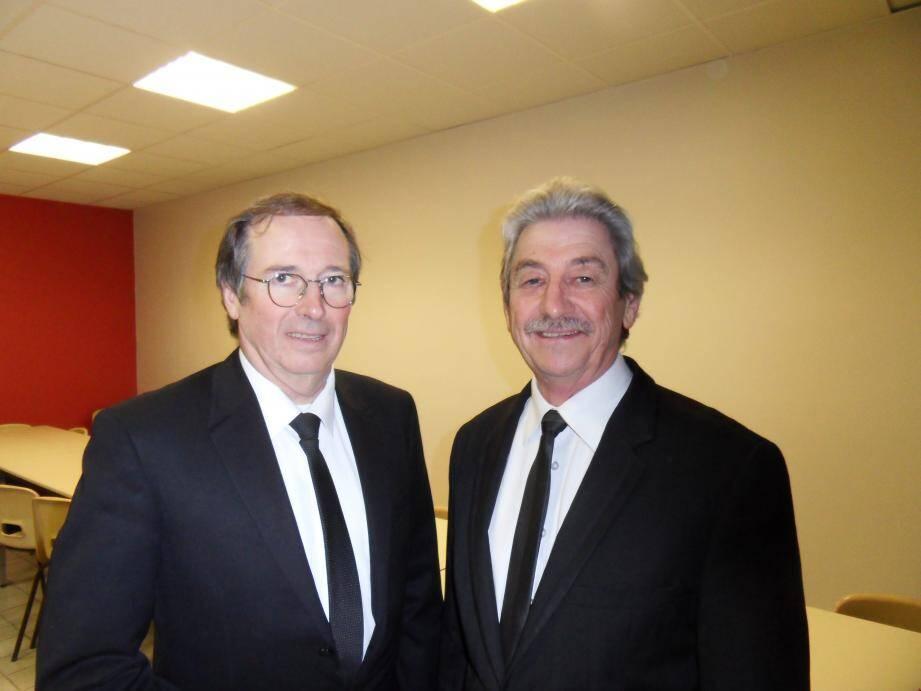 Philippe Charuel, Grand Maître de la Grande Loge de France (à gauche) et Joël Tonelli, conseiller fédéral, en charge du Club Écossais toulonnais.