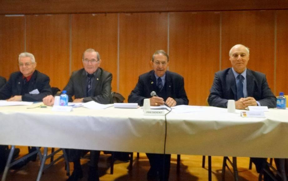 La réunion s'est tenue en présence de Daniel Duvoux, adjoint aux associations patriotiques  (à droite).