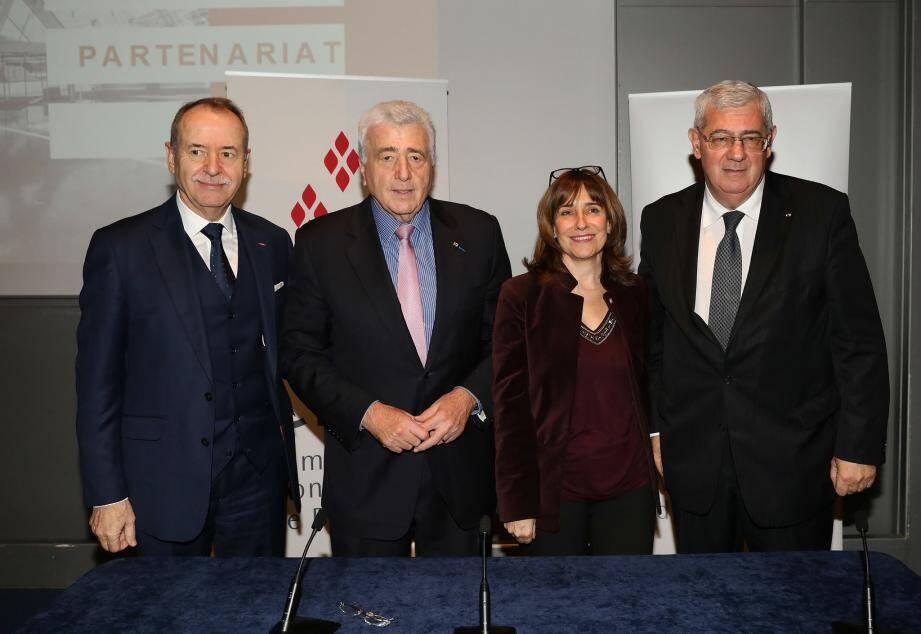 De gauche à droite, Werner Peyer, administrateur délégué  et Etienne Franzi, président de la CMB ; Sylvie Biancheri, directrice générale et Henri Fissore, président du Grimaldi Forum.