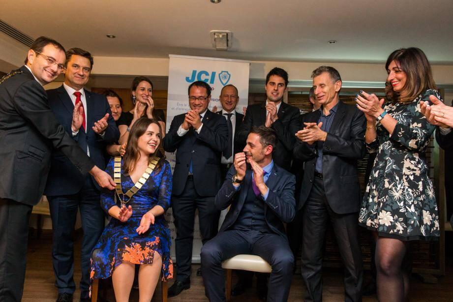 80 personnes étaient réunies à la soirée de passation de pouvoir de la JCE, lors de laquelle Olena Prykhodko est devenue la plus jeune présidente de l'histoire de la JCE.