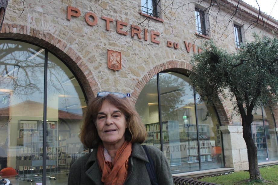 Brigitte Rollier est à l'origine du projet de demande.