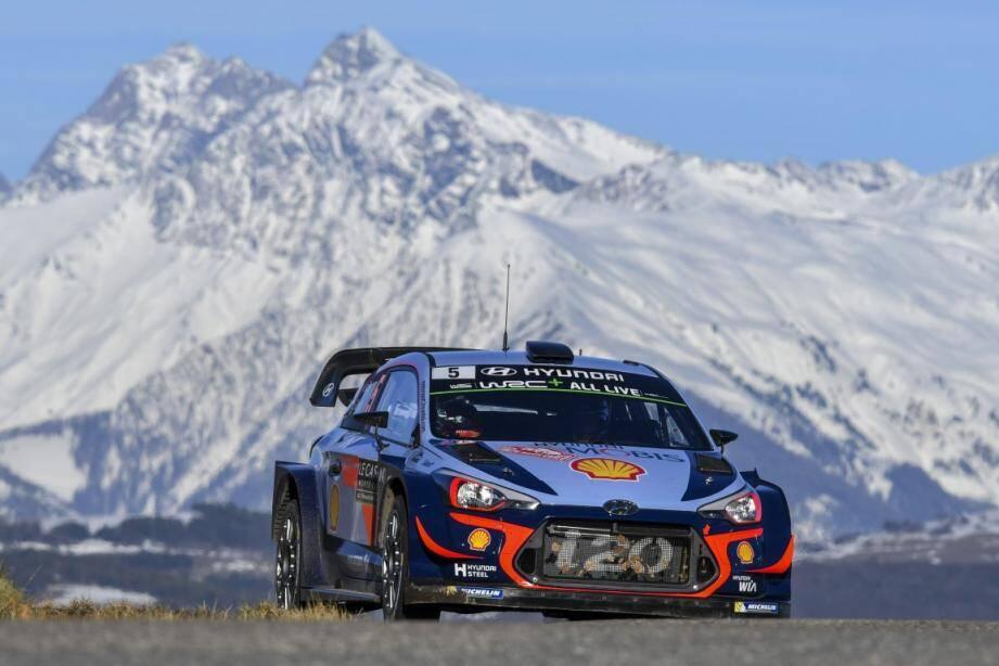 Vice-champion du monde 2017, le Belge Thierry Neuville (Hyundai) a signé le meilleur temps de l'épreuve spéciale d'essais à Gap.