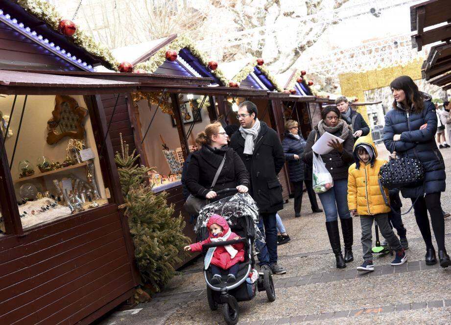 Le Village de Noël fermera ce dimanche soir à 20 heures.