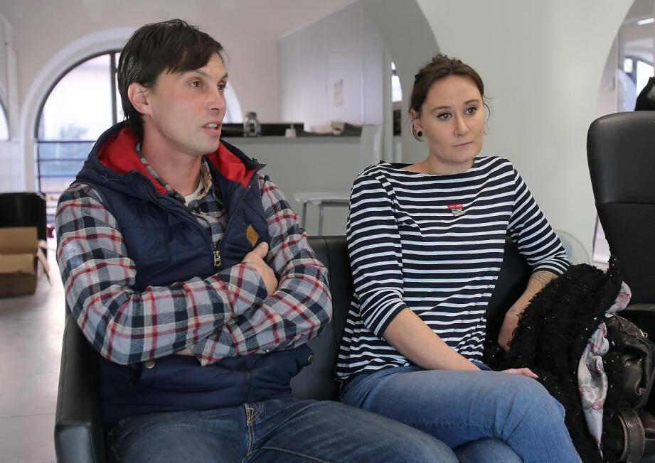 En vacances en Crète, Esther et Grégory croisent un animal en détresse totale. Ils ont dépensé près de 800 euros pour le rapatrier.