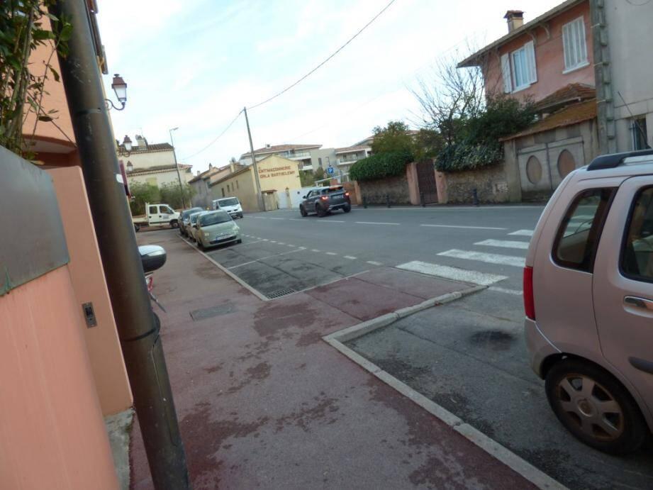 La camionnette repérée par un témoin sur ce secteur de l'avenue Foch, est-elle le véhicule avec lequel le commando de cambrioleurs a pris la fuite?