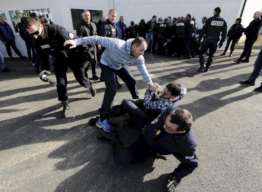 Lors d'un précédent blocage à la prison de Draguignan.