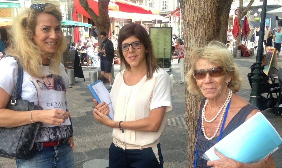 Audrey, son avocate Me Pariente et sa maman, Colette.