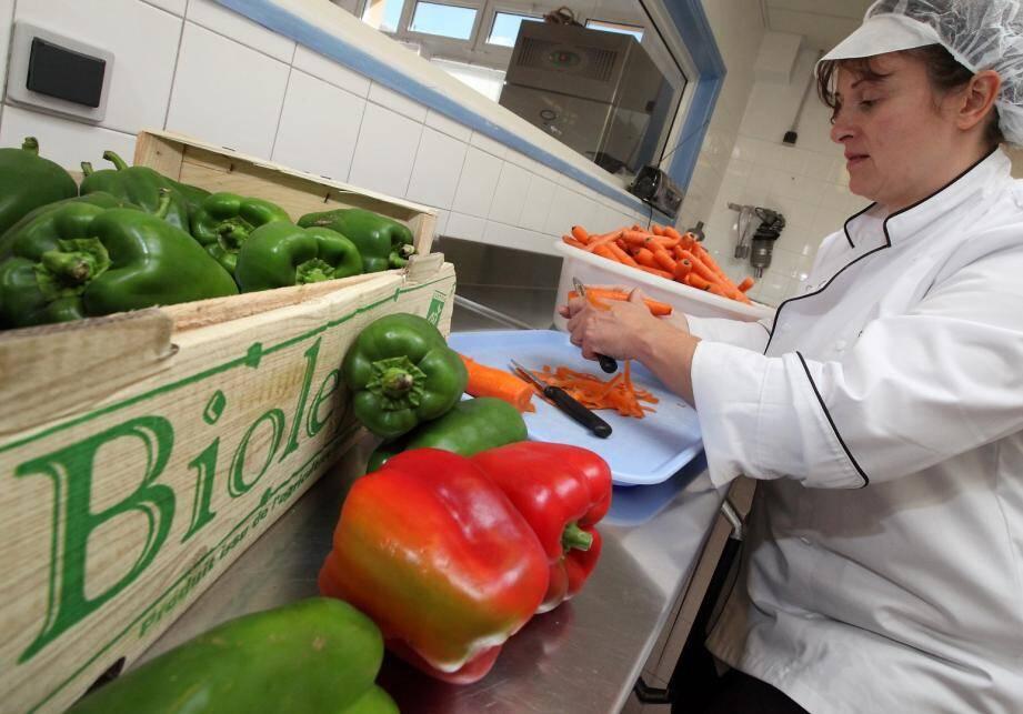 """Le collectif se réunit pour réfléchir au """"mieux manger"""" dans les restaurants scolaires."""