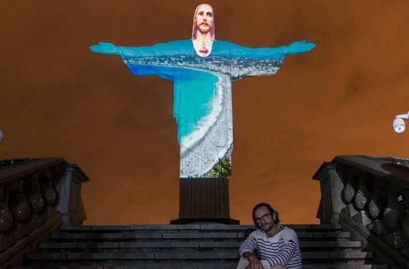 La nuit de 23 décembre, le monument historique a fait l'objet d'une performance lumineuse architecturale.