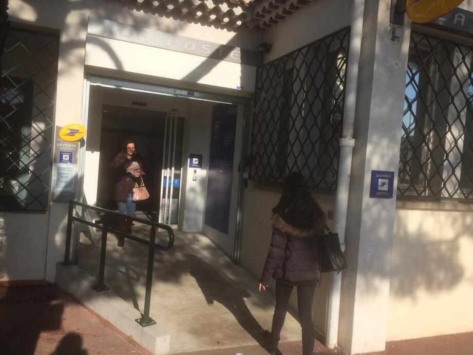 La Poste Saint-Jacques accueille les usagers du bureau du centre-ville fermé pour travaux.