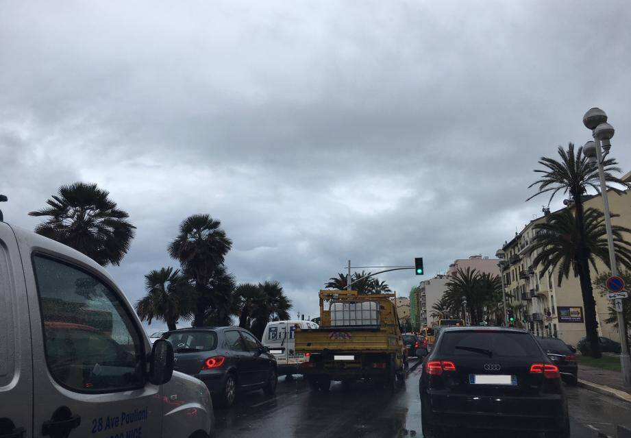 A 10 heures, il fallait 45 minutes pour aller de Masséna à Carras.