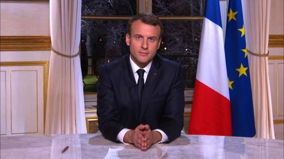 Emmanuel Macron lors de ses premiers voeux présidentiels télévisés.