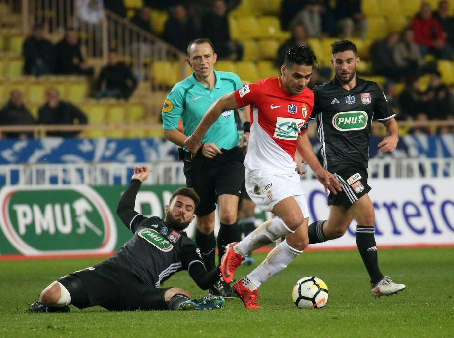 Radamel Falcao a été transparent contre Lyon.