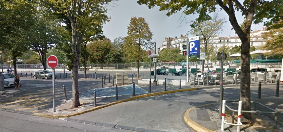 L'entrée du parking Jean Jaurès à Marseille, où une fusillade a éclaté jeudi 11 janvier vers 23h15.
