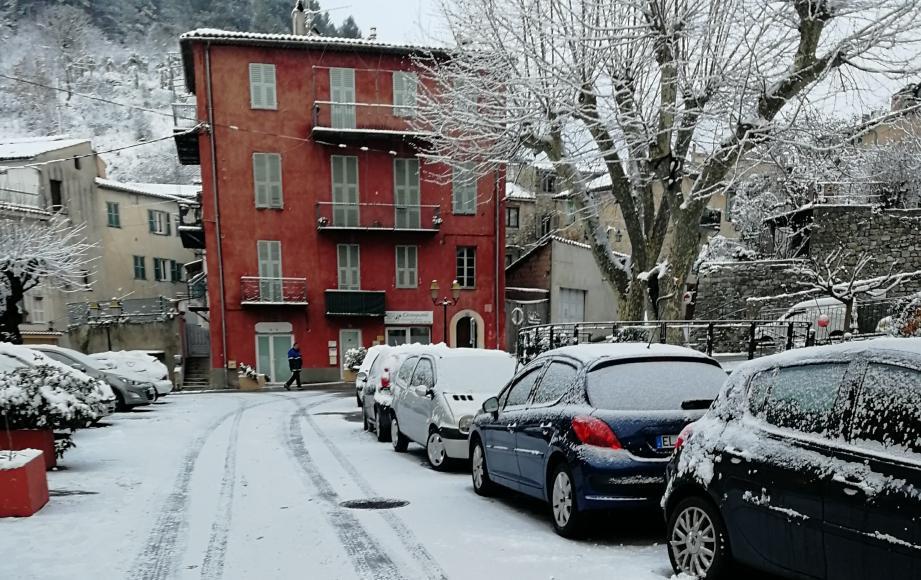 La neige à L'Escarène.