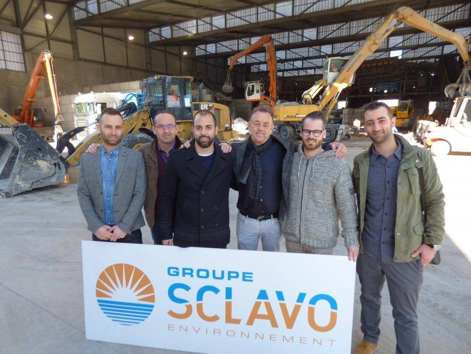 De gauche à droite. Anthony, Michel (directeur général), Cédric, Jean-Marc (président), Jimmy Humphreys (un cousin), Frédéric Sclavo.