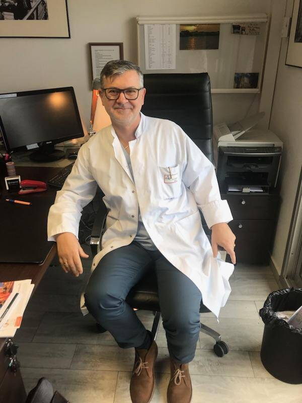 Le Dr Castelnau se réjouit des progrès de l'immunothérapie.