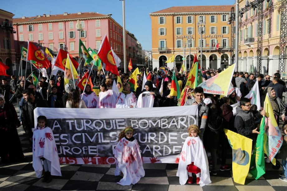 « On demande à la France de ne pas oublier ces attentats et ses morts. On demande à la France d'être kurde ».