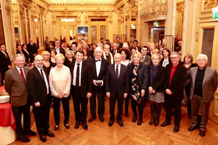 « 215 places supplémentaires [en crèche] seront mises à disposition d'ici 2021 », a rappelé Christian Estrosi, à l'occasion de la cérémonie du 150è anniversaire de l'Œuvre des crèches de Nice.