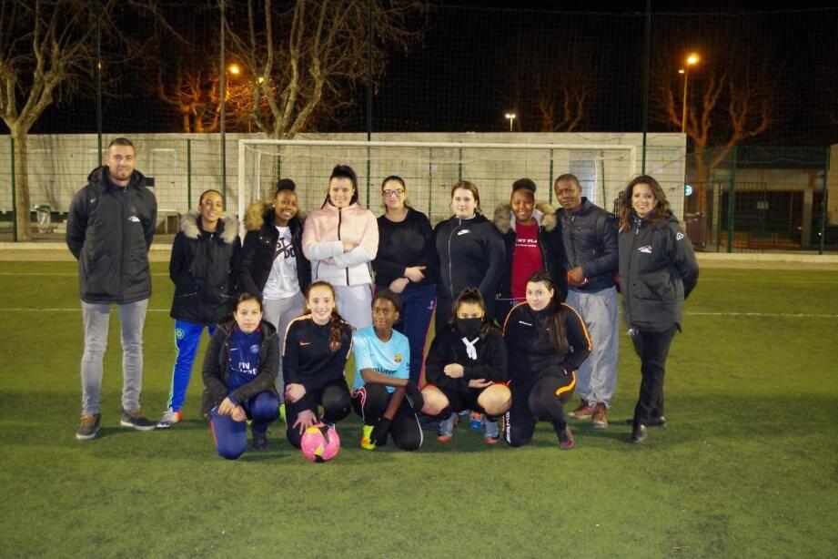 Aux Moulins, le football féminin se développe avec, notamment des séances d'initiation tous les mercredis. Peut-être de futures recrues pour les Bleues…