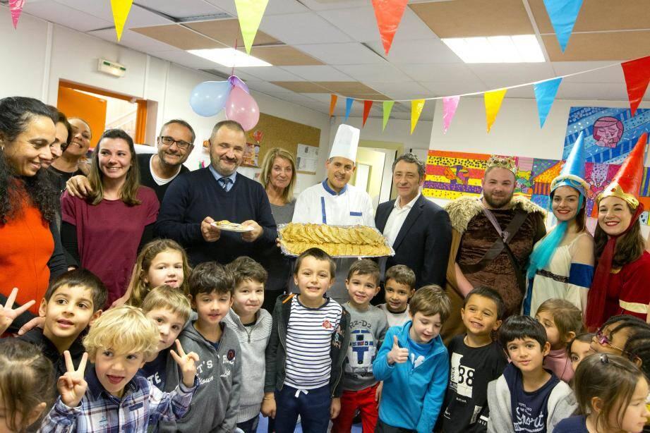Les enfants de l'école maternelle Nikaïa ont eu un moment spécial Chandeleur, hier. Aujourd'hui, les écoliers de Rothschild vont profiter de cette animation portée par la Ville.