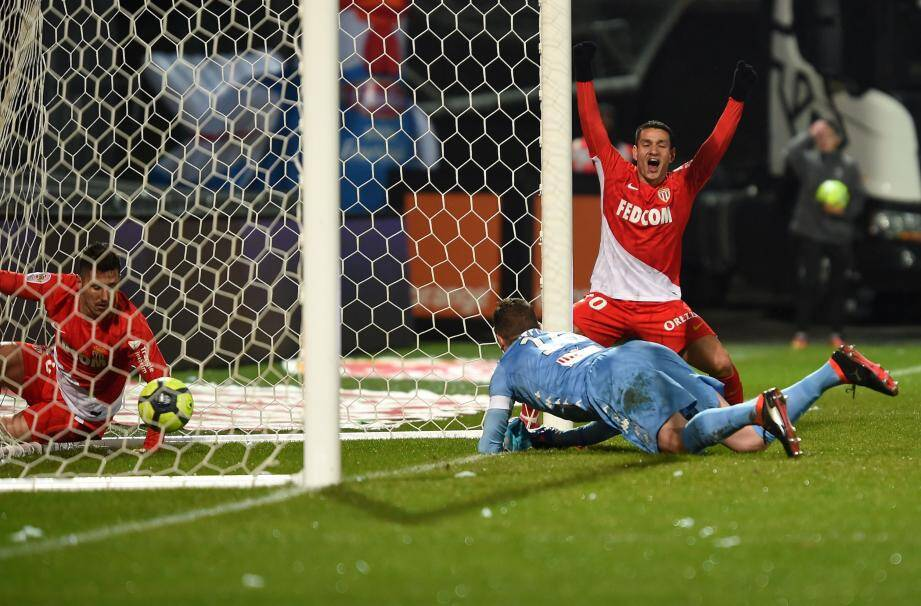 Les Monégasques ont mis Butelle et Angers à terre, hier soir, et récupéré la deuxième place du championnat grâce à leur large succès.