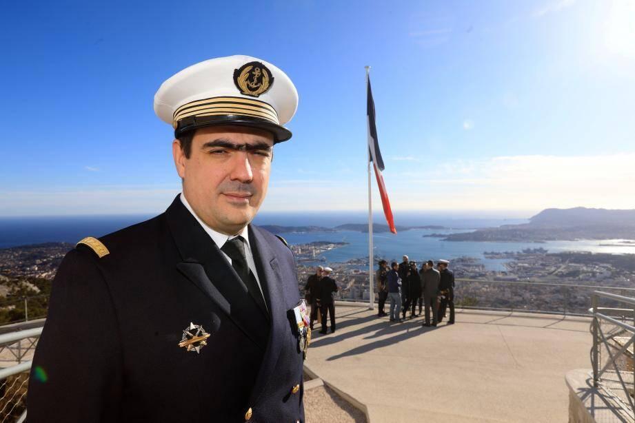 C'est depuis le Mont Faron que le capitaine de corvette Julien Fieschi a été intronisé nouveau commandant de l'équipage bleu du sous-marin nucléaire d'attaque Perle.