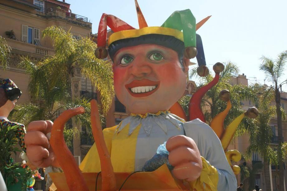 Sa Majesté Roi du Carnaval entre dans la ville, avec un mot d'ordre pour ses sujets : « Amusez-vous, déguisez-vous ! »