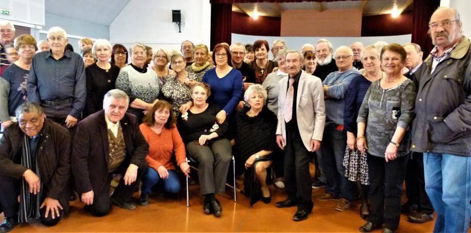La plupart des participants réunis à l'occasion de l'ultime rendez-vous de l'UASR, sous la férule de Pierre Martinez.