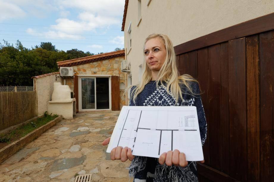 Mélody Majerus a acquis un appartement de 44 m2 qui s'est avéré être un garage de 27 m2. C'est comme ça qu'il apparaît sur le plan initial de la villa divisée ultérieurement en plusieurs appartements, et qu'elle s'est procurée après l'acquisition.