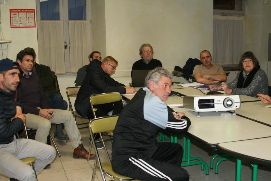 Une première réunion animée par Robert Rieu a permis de présenter le projet.