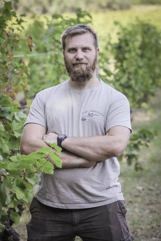 Étienne Portalis vient de s'associer à son père à la tête d'une exploitation viticole dans sa famille depuis 1753.