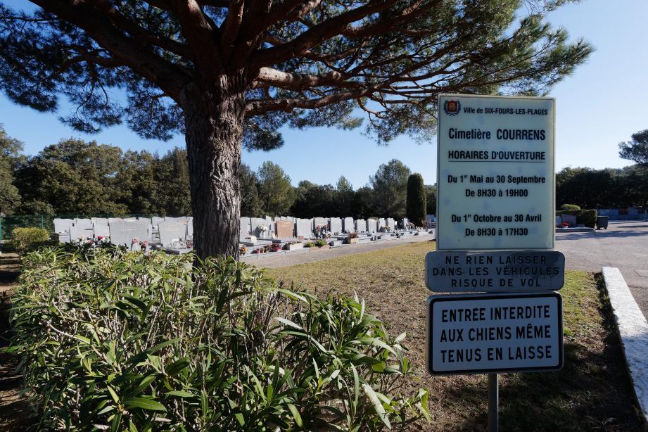 Près de 350 nouveaux caveaux vont être créés dans le cimetière de Courrens.