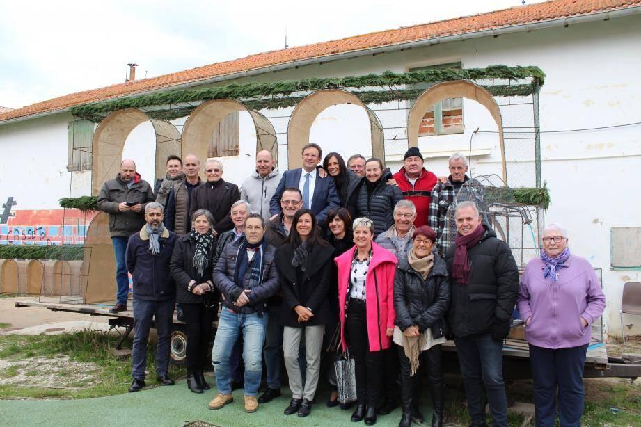 Les bénévoles du comité des fêtes de l'ESCAL étaient ravis de la visite de l'équipe de « Régime présidentiel », ce jeudi.