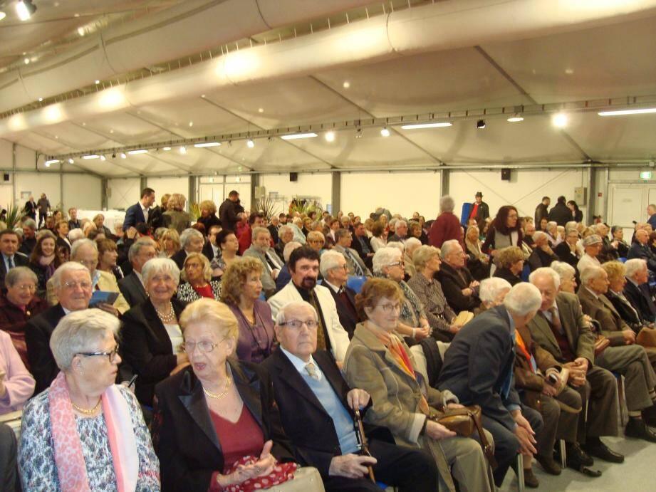 Les cinquante couples étaient réunis, hier matin, aux Espaces du Fort Carré.