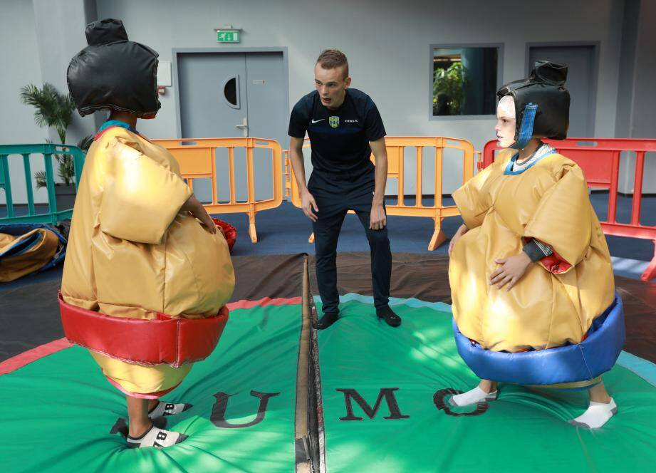 Des combats de sumo mémorables attendent les athlètes en herbe au Forum du casino. Fous rires garantis.