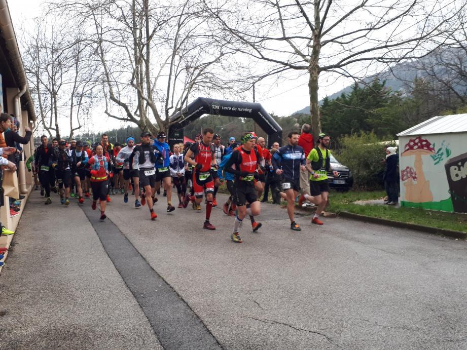 Les 400 participants ont tout donné malgré des conditions météorologiques difficiles.