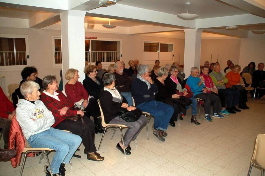 Venus nombreux, les sociétaires ont suivi les débats avec attention en présence du maire Georges Ferrero, et de plusieurs adjoints.