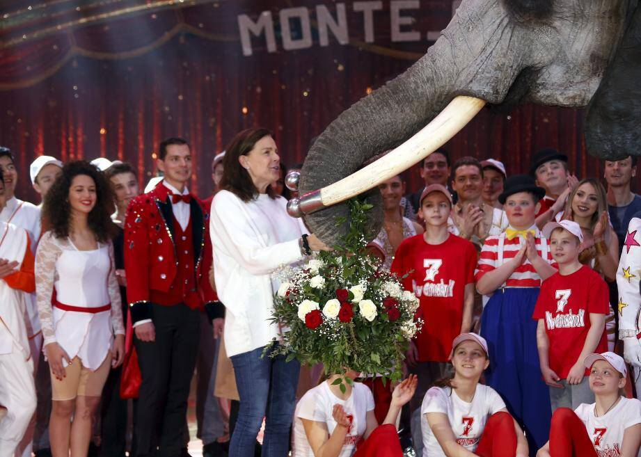 L'équipe a profité du lancement du 7ème festival du cirque new generation de Monte-Carlo au chapiteau de Fontvieille de Monaco pour célébrer l'anniversaire