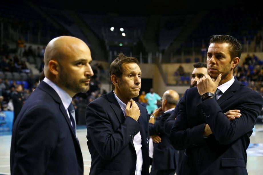 Marc Berjoan (entraîneur adjoint), Frédéric Jouve, Julien Espinosa (entraîneur) :  les Sharks navigueront désormais sans un président en place depuis quatre ans.
