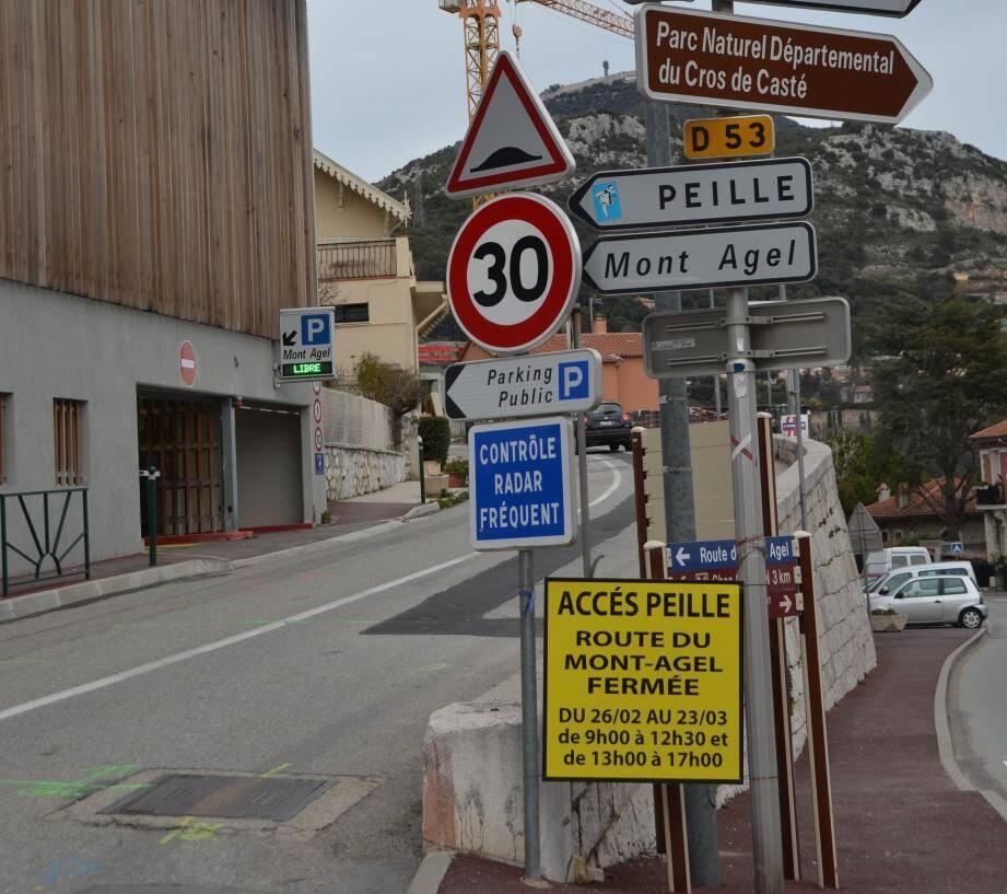 La fermeture de la route du Mont Agel impose notamment un grand détour aux habitants de Peille travaillant à Monaco.