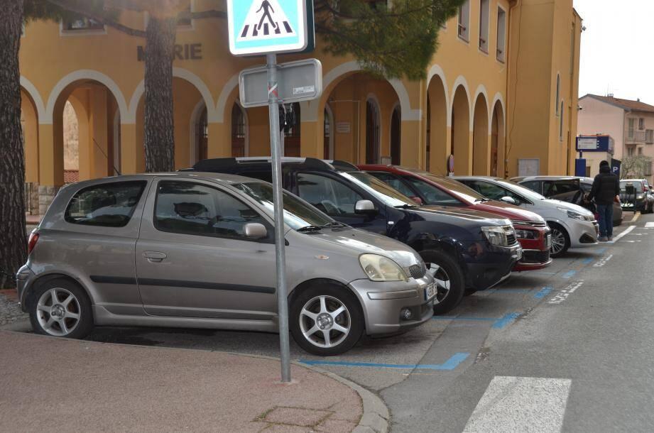 Un peu moins d'une trentaine de places de stationnement ont été mises en zone bleue.
