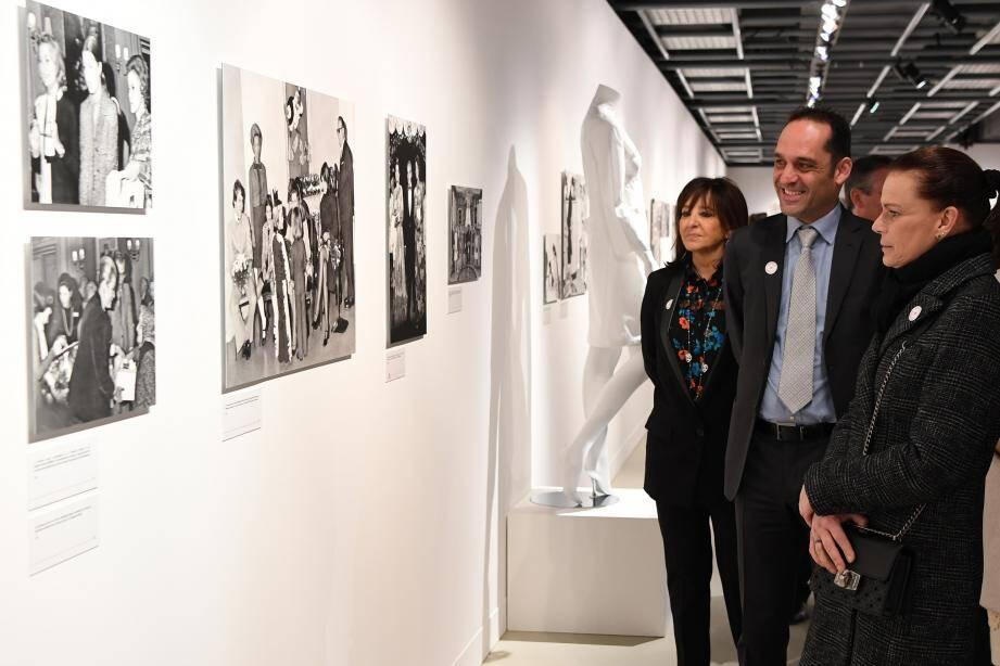 La princesse Stéphanie a visité l'exposition ce mardi.