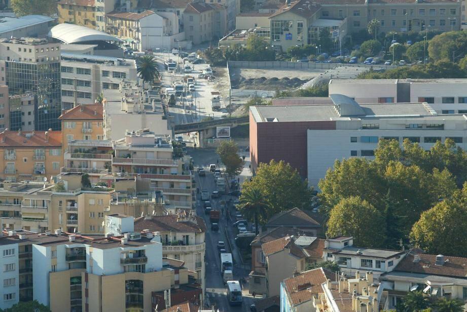 L'avenue des Diables bleus est située dans le quartier Riquier.