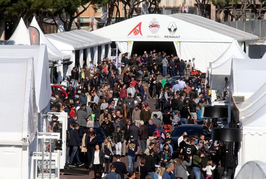 Comme l'an dernier, le salon déploiera ses stands sur le quai Albert-1er. Salon international automobile Monaco