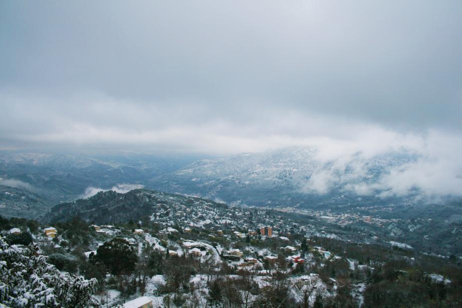 La neige dans la vallée du Paillon ce lundi matin.